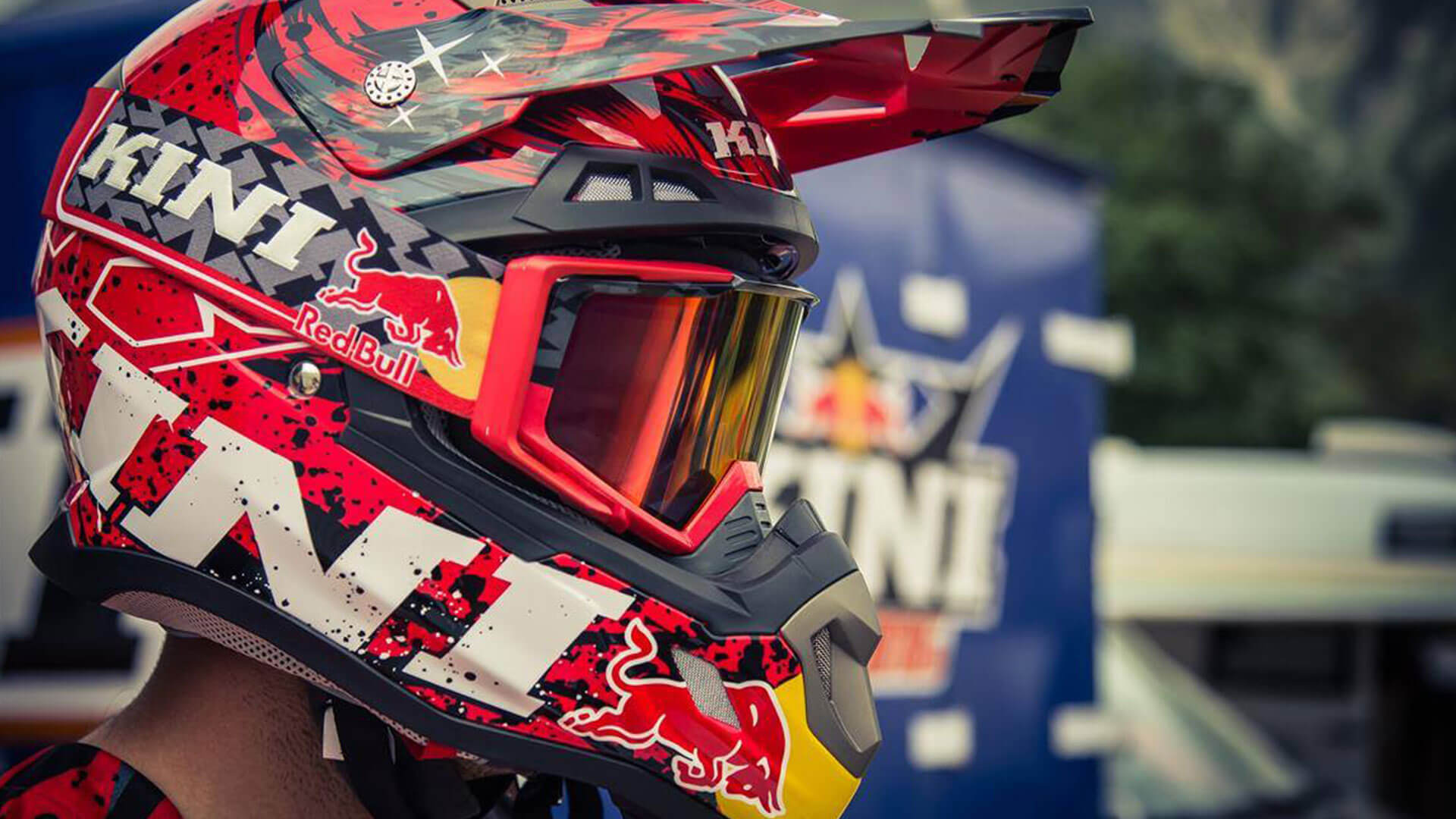 Richtige Motocross Helm und Enduro Helm Passform finden