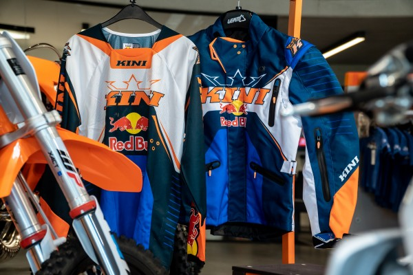 KINI Red Bull Competition Jacket & Jersey Set